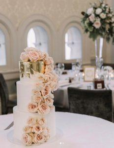 La Petite Tarte 3 tier wedding cake