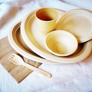 Busy Bee Eco Party tableware