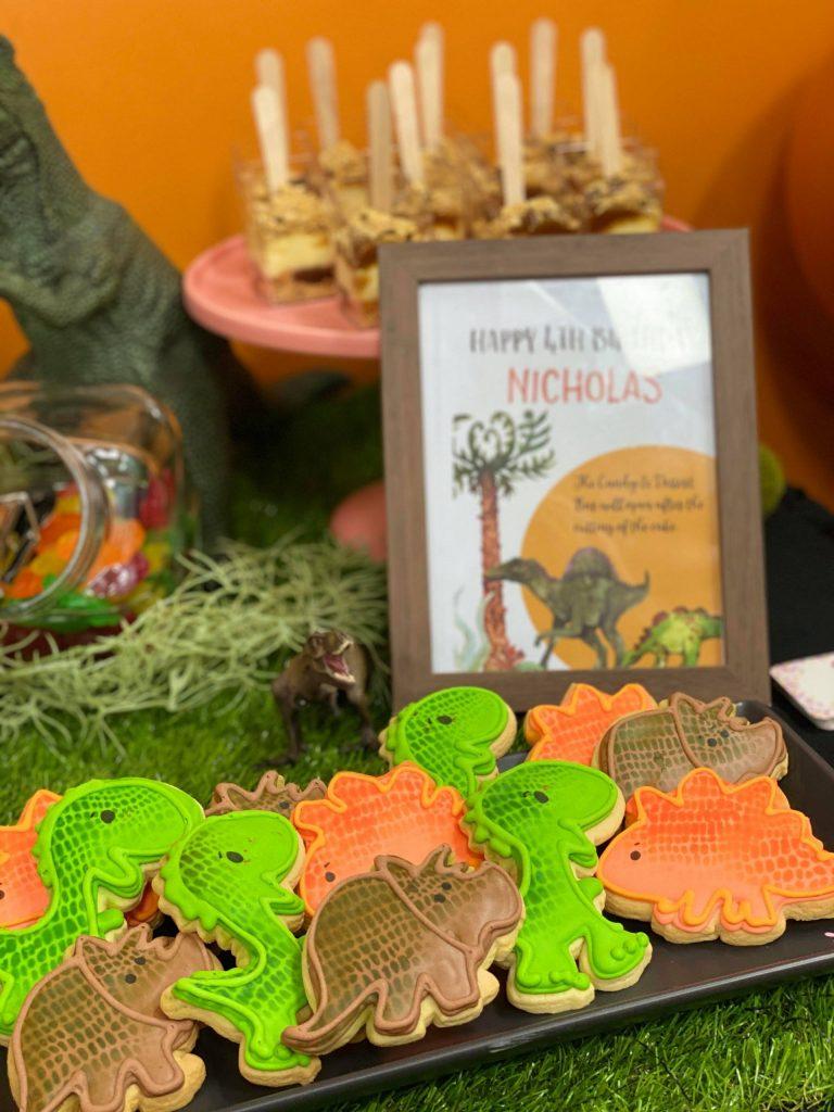 Cookie Queen Kitsch'n dinosaur cookies
