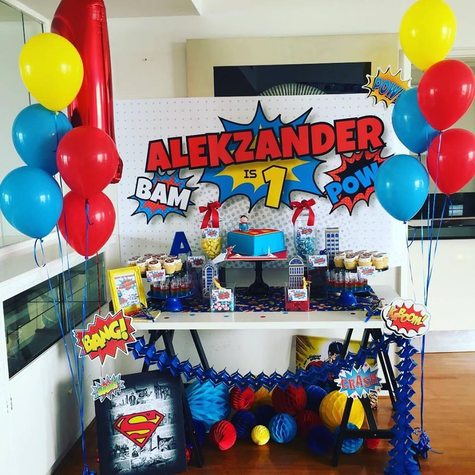 Cookie Queen Kitsch'n superhero table