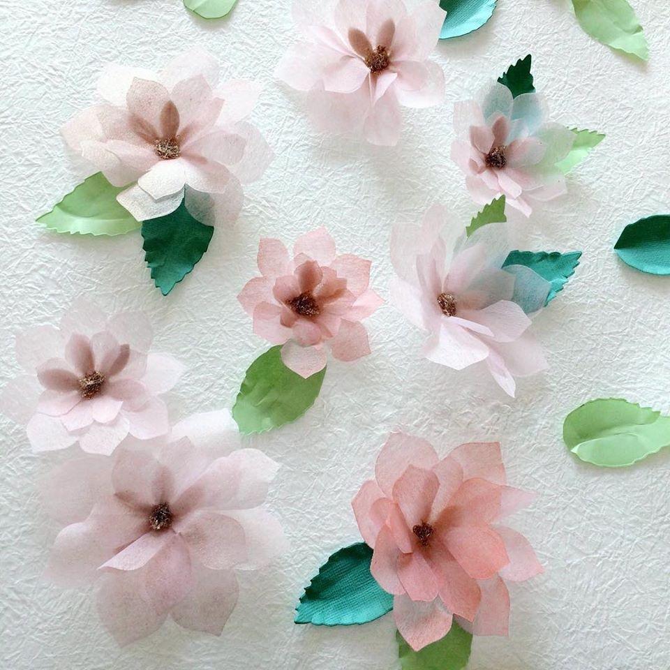 Haning Pretty paper flowers