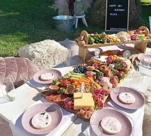 Purely Picnics Sydney dining in style