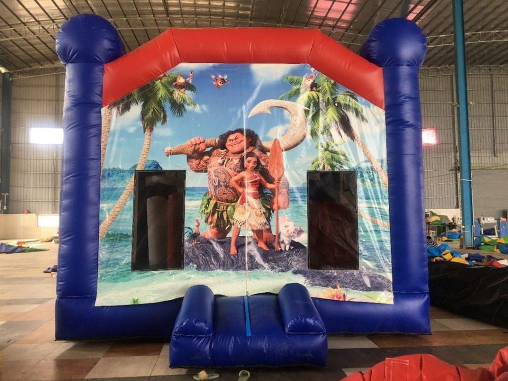 2Famous Jumping Castle Moana 2