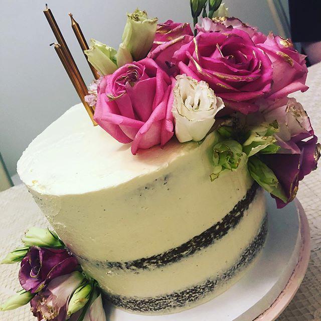 Oh So Sweet Bakehouse naked cake