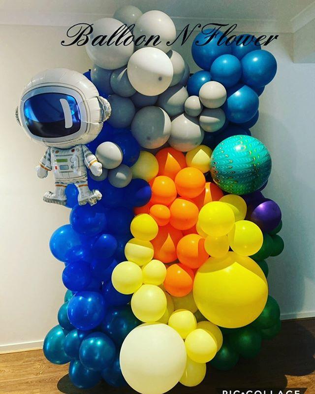 Balloon N Flower space theme
