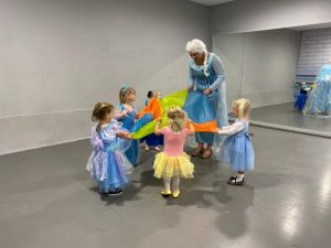 Twinkle Time Parties Elsa party