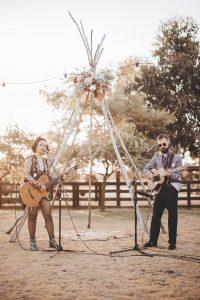 Champagne Duo guitarist