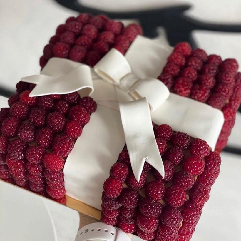 Babushka berries cake