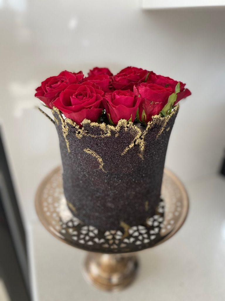 Babushka rose cake