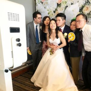 Deluxxe Photobooth wedding hire