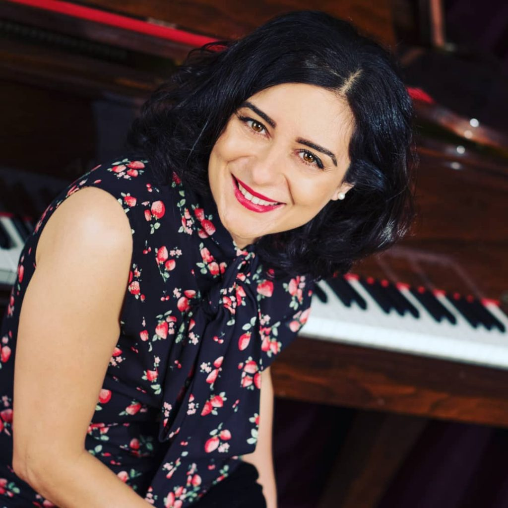 Georgina Makdessi piano