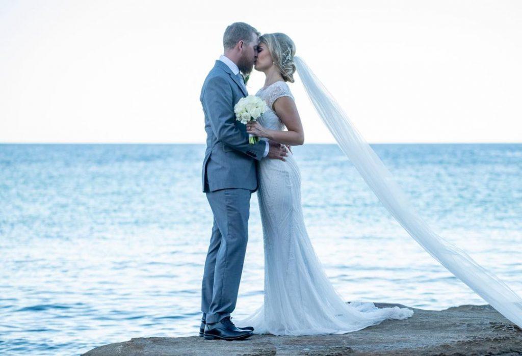 Lia Marx Photos & Film wedding kiss