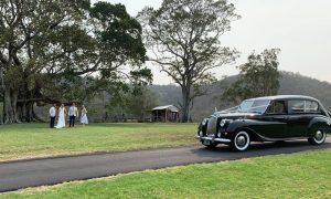 Tic Tac Tours & Premier Limousines wedding arrival