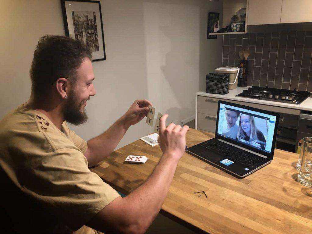 Tom Bodycoat Magic online