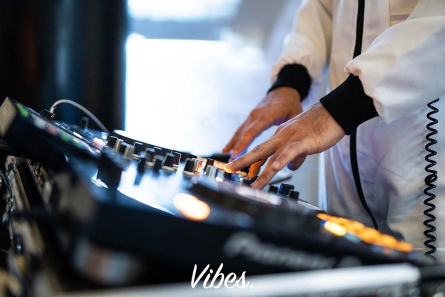 Vibes AV & DJ Hire at the decks
