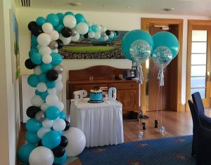 Mad Parties & Supplies 50th balloons