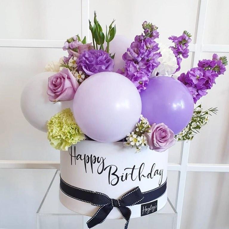 Hayley's Balloons cake