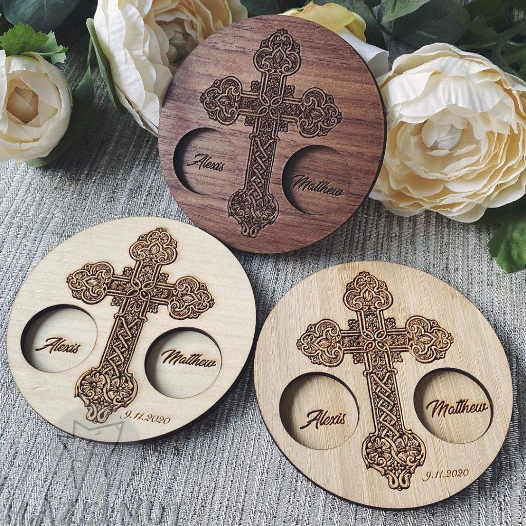 Hazelnut Laser Design ring holders