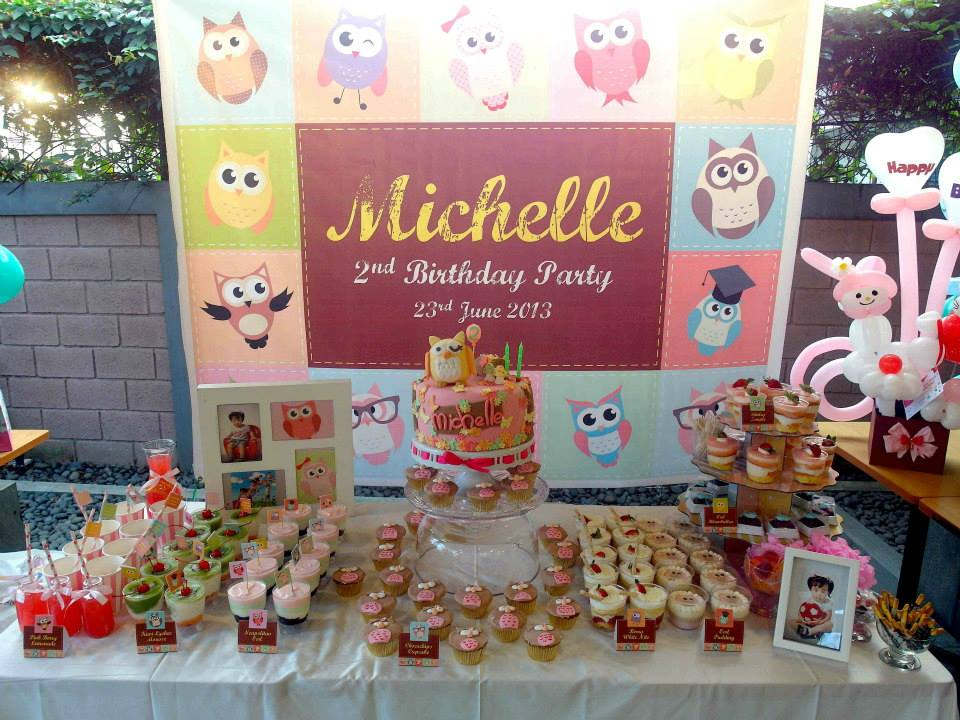 Honey Bee Events owl table