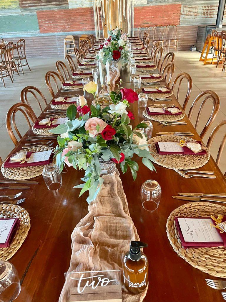 Flora & Maple bouquet table