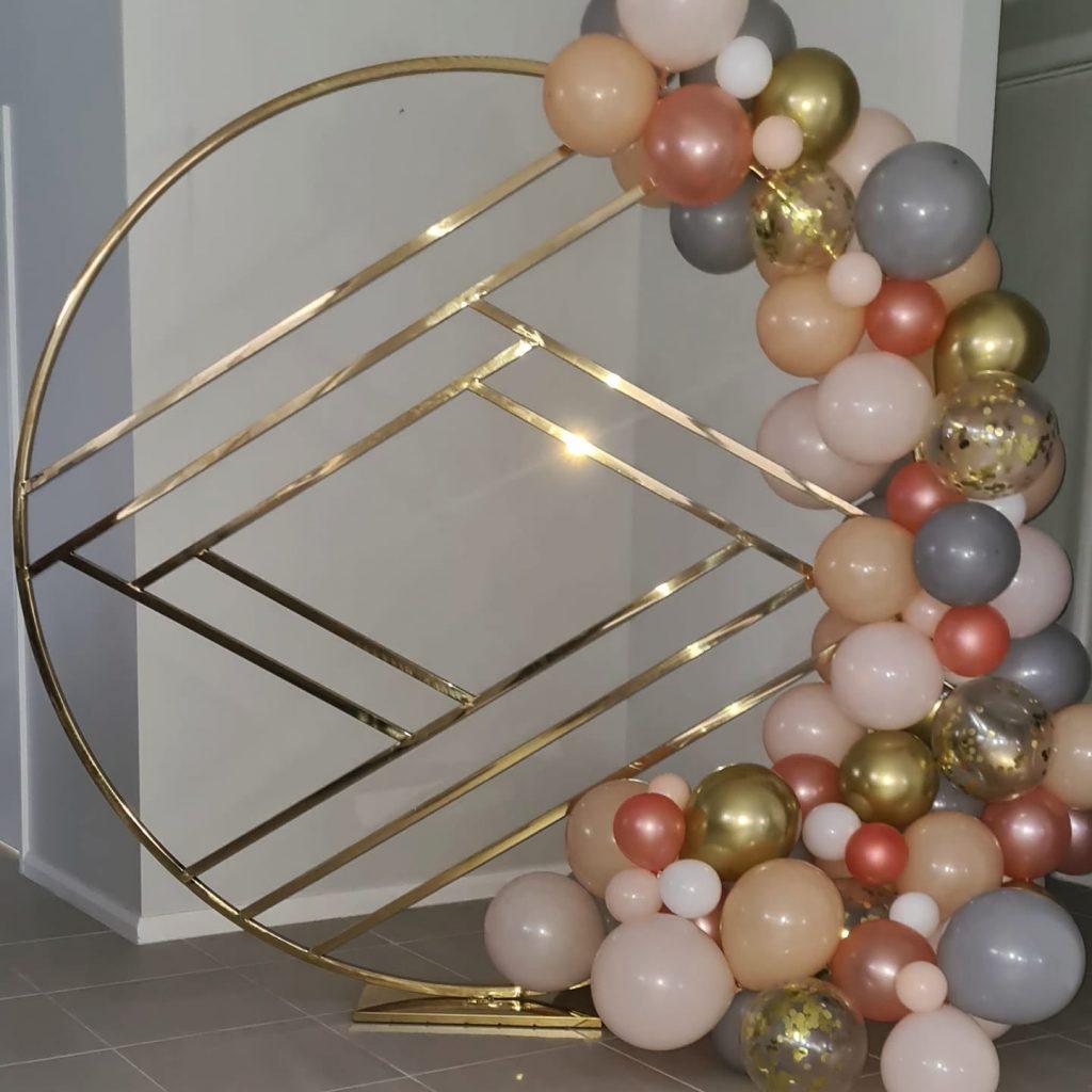 Propped & Pretty balloon wall