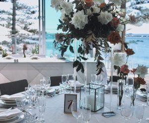 Ruby Oak Floristry table fleurs