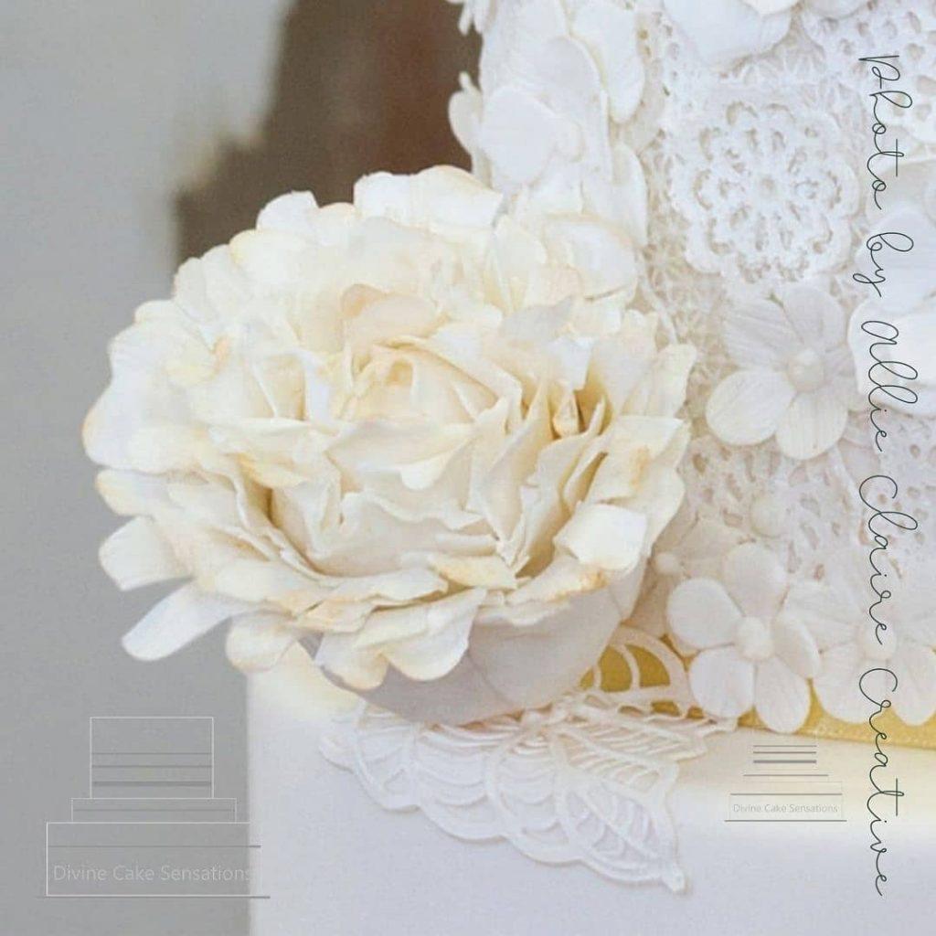 Divine Cake Sensations flower
