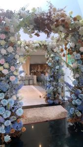 DragonFly Floral Design archways