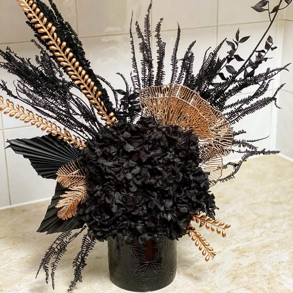 Siyah & Co Floral Arrangements black