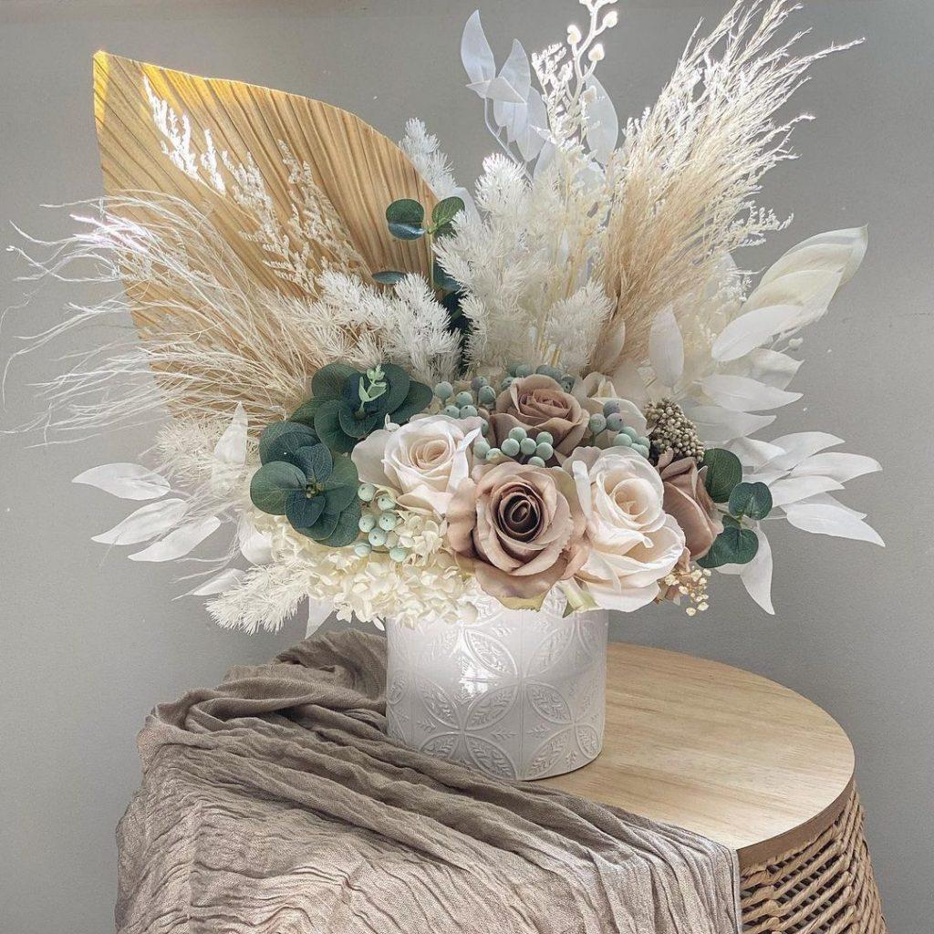 Siyah & Co Floral Arrangements natural