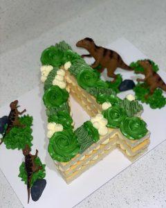 Sweet Luscious Cakes dino
